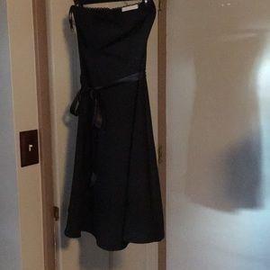 Elegant strapless plain black dress